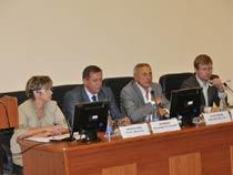 Встреча представителей администрации СГМУ и депутатов Саратовских Областной и Городской Думы с ординаторами и интернами