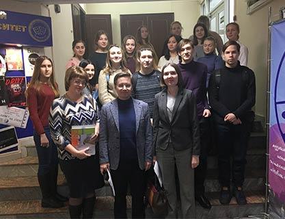 Волонтеры России: новые пути к добрососедству и дружбе между народами
